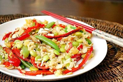 Edamame Stir Fry: Sugar snap peas and red bell pepper are sauteed with ginger, garlic and sesame oil before adding swe...[read more at Food Frenzy]