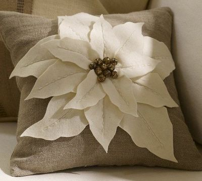 Diy Decorative Christmas Pillows : DIY Pottery Barn Poinsettia Pillow / christmas xmas ideas - Juxtapost