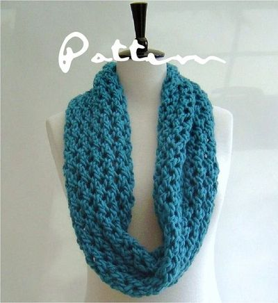 KNITTING PATTERN Chunky Cowl Infinity Scarf by Richmondhilldesigns, $4