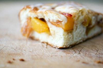 Peach Cobbler Bars #peach #cobbler #bake