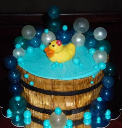 Duck With Gelatin Bubbles Wedding Cakes