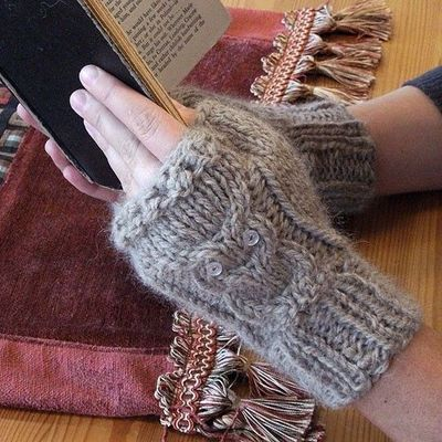 Owl Fingerless Gloves Knitting Pattern : Cabled Owl Fingerless Gloves with pattern #diy #knitting / knits and kits - J...
