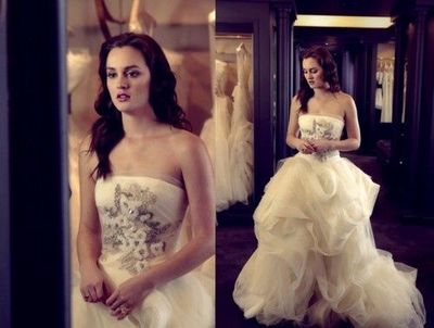 Blair waldorf wedding dress gowns juxtapost for Wedding dress blair waldorf
