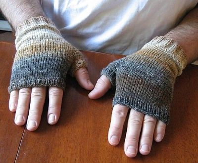 Fingerless mitts in Noro (free pattern) / knits and kits ...