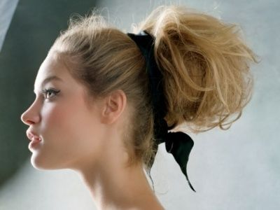 7 Classy But Easy To Do Hairstyles For Super Long Hair  U20ac  Hairstyles For