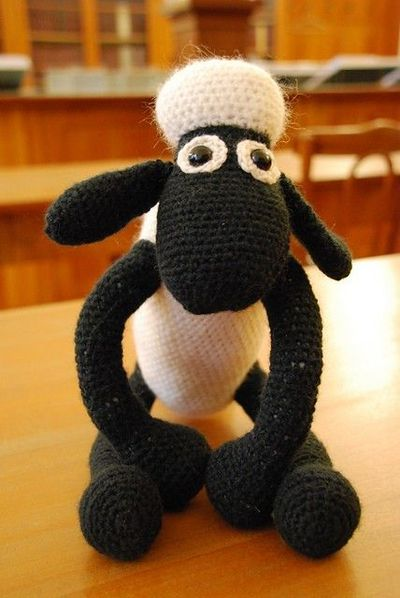 Shaun the Sheep - crochet free pattern / crochet ideas and tips - Juxtapost