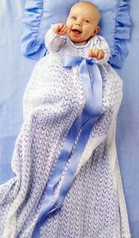 Such a beautiful Christening Dress - pattern from Familie Journal - in danish - image of the pattern