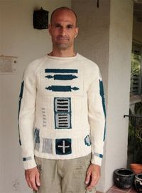 R2-D2 knitted jumper