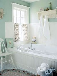 Posts Similar To Wainscoting And A Ledge Around The Tub