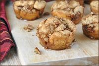 Easy Maple Pecan Pull-Apart Muffins