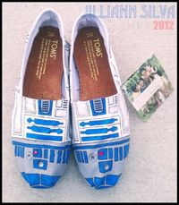 R2D2 STAR WARS Toms New Shoes Included by eastbaycalifornia, $110.00; and i dont even like star wars...