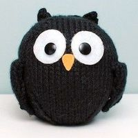 Free knitting pattern for a Little Black Owl