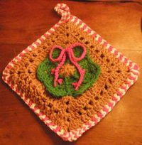 Gingebread and Candy Cane Potholder . . . pattern
