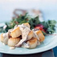 Scallops in Champage Sauce - cookinglight.com