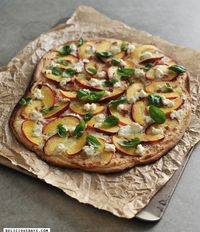 Flammkuchen with Peaches & Goat Cheese: delicious days