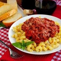 Crock Pot Spaghetti Sauce with OMG Garlic Bread. Easy, hearty, and perfect for Fall! #foodgawker