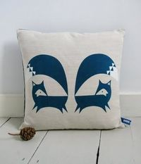 Love these graphic foxes - Robin & Mould