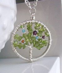 Family Tree Necklace-Love this!