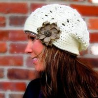 Cool slouch hat with fabric zipper flower - must buy this pattern!