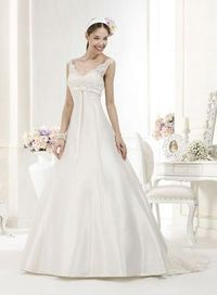 This wedding dress looks elegant and beautiful with v-neck and A-line silhouette. Delicate bowknot design is included at the waist. Fancy applique and beads are adorned. Free made-to-measurement service for any size. Available colors seen as in Color Opti...