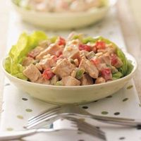 Sesame Chicken Salad: 254 calories, 8 g fat per serving