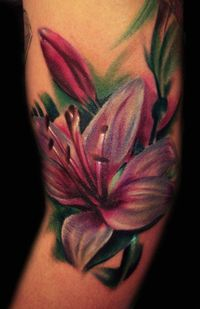 Color Lily Tattoo... gorgeous coloring!