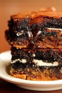 ultimate chocolate chip cookie n'oreo fudge brownie bar
