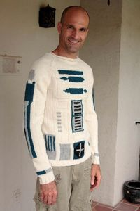 R2-D2 sweater, would rock this so hard