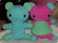 Amigurumi teddy bears! Super easy to do.